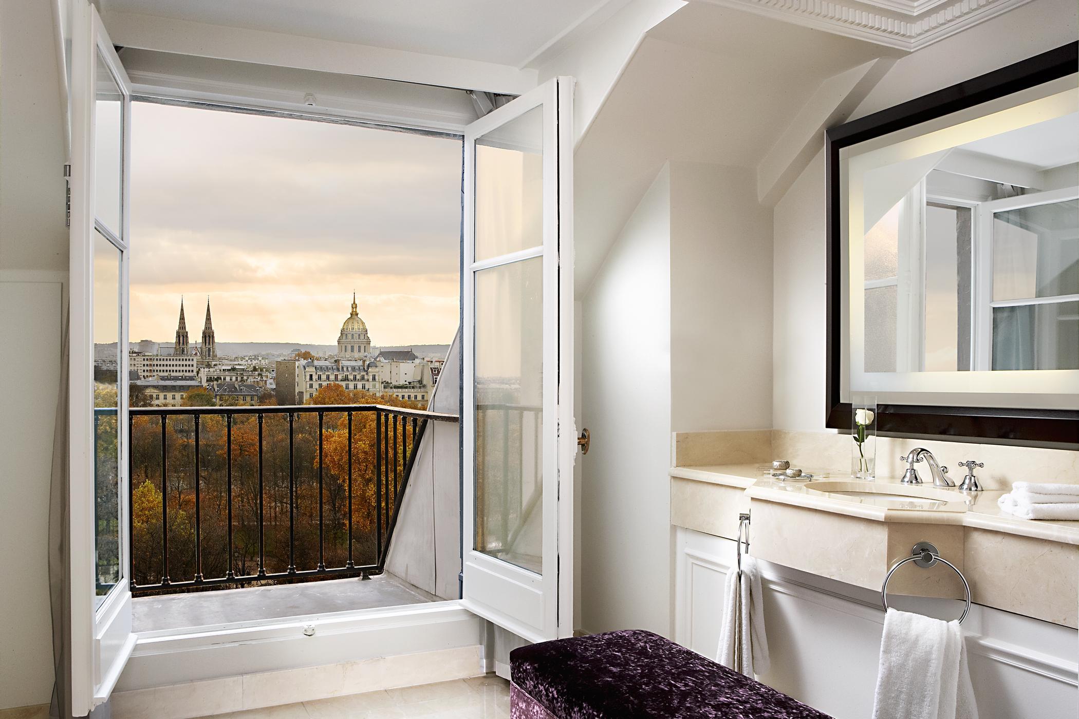 Отель the westin paris - vendome (париж), ванная комната.