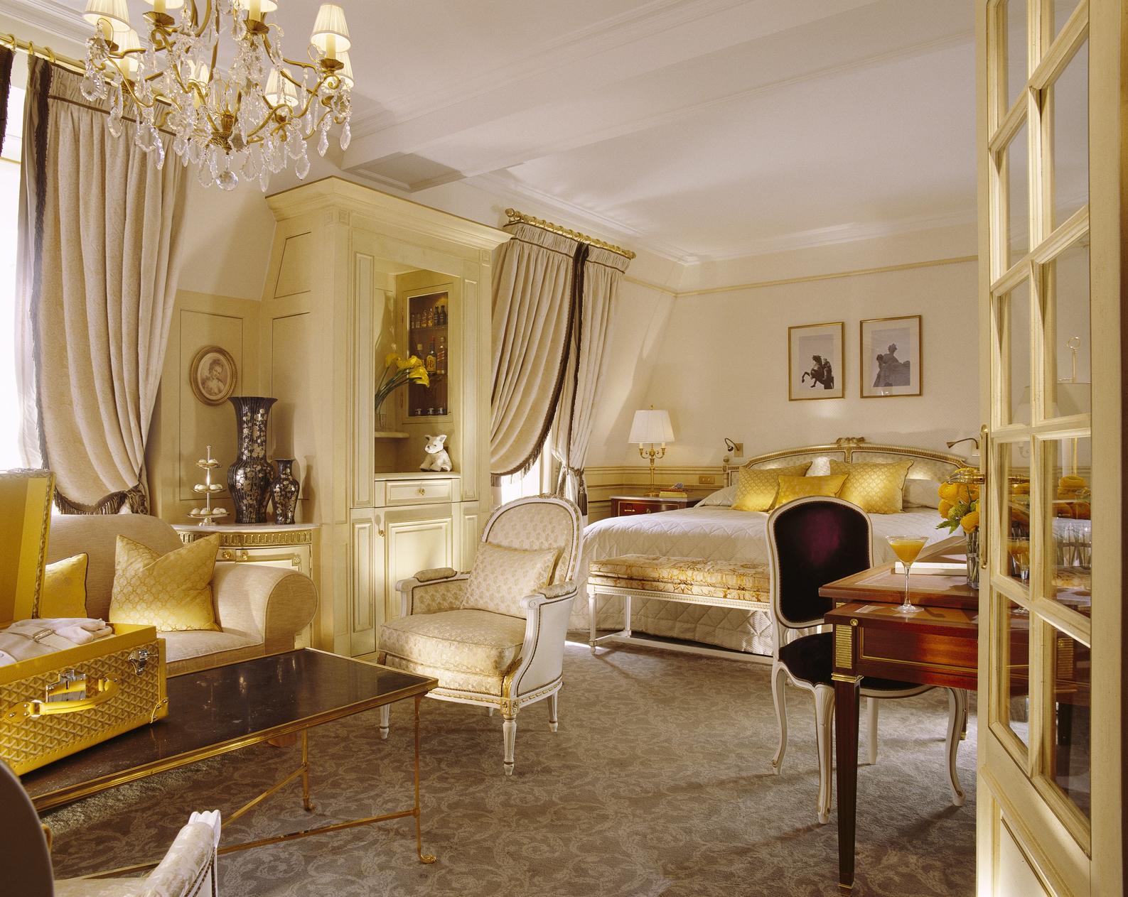 Saga le meurice partie trois l art du sejour palace for Belle bedroom ideas