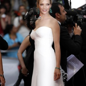 Vague de blanc sur Tapis Rouge au Festival de Cannes