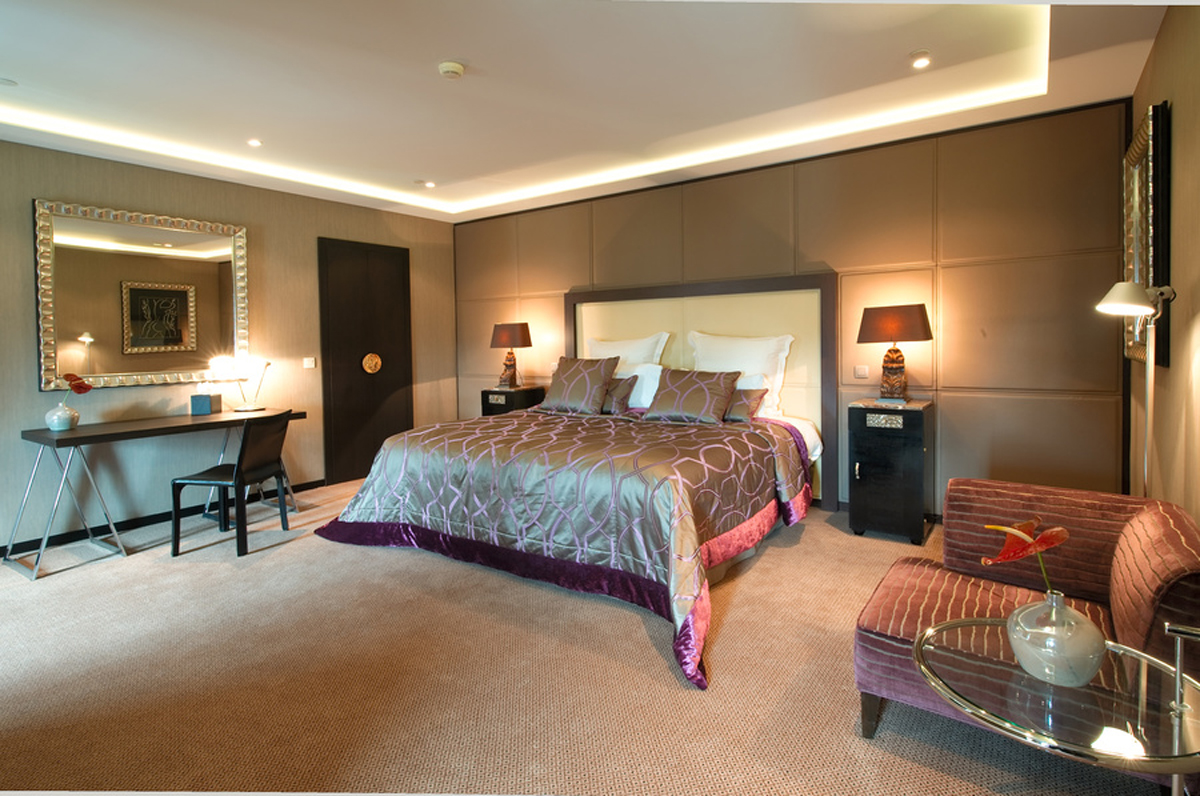 royal windsor hotel grand place the grand place suite luxsure. Black Bedroom Furniture Sets. Home Design Ideas