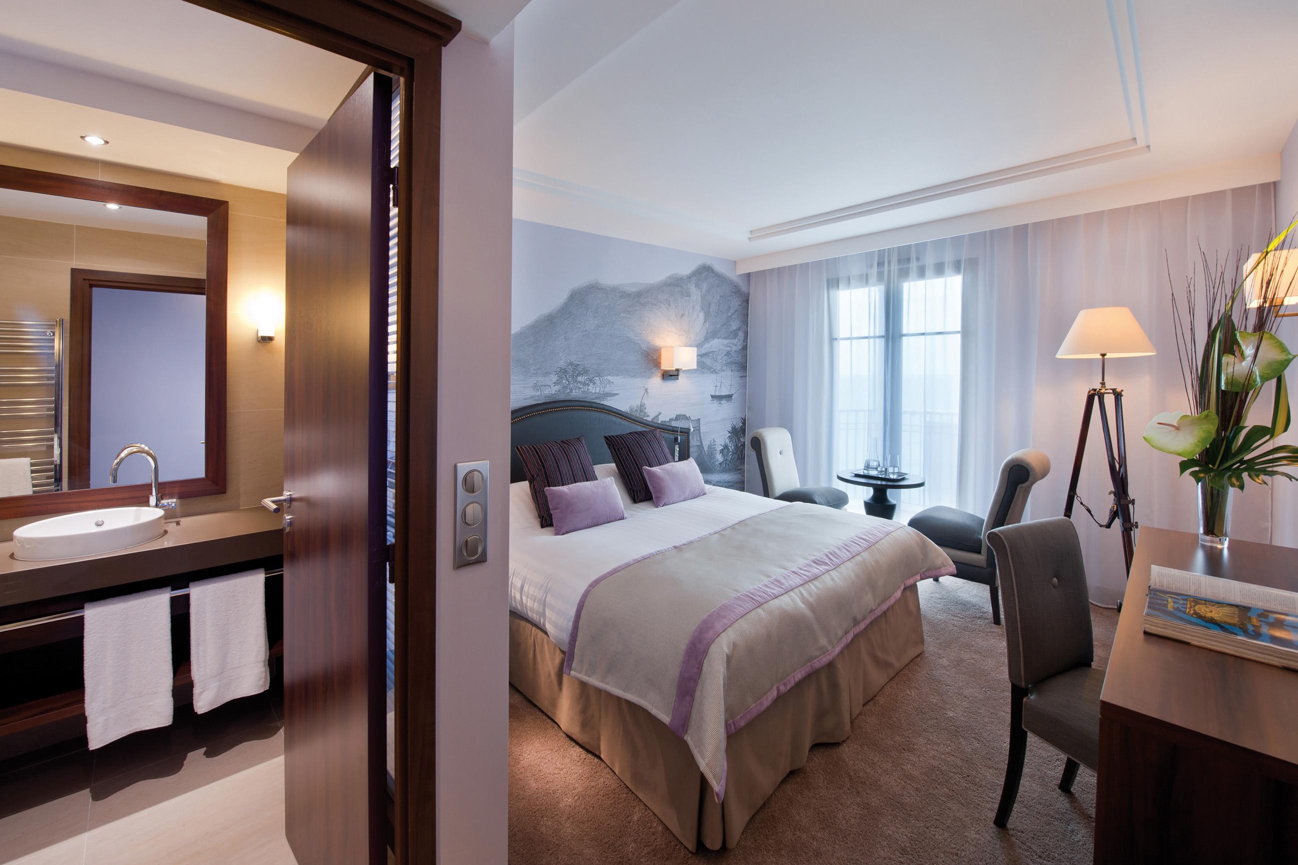 le nouveau monde a conquerir luxsure. Black Bedroom Furniture Sets. Home Design Ideas