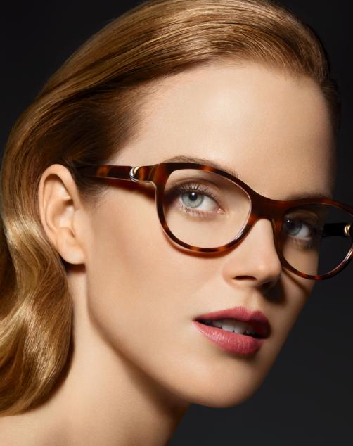 http://www.luxsure.fr/wp-content/uploads/2012/11/portrait-lunettes-Cartier-Trinity.png