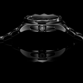 Karl Lagerfeld lance sa collection de montre.