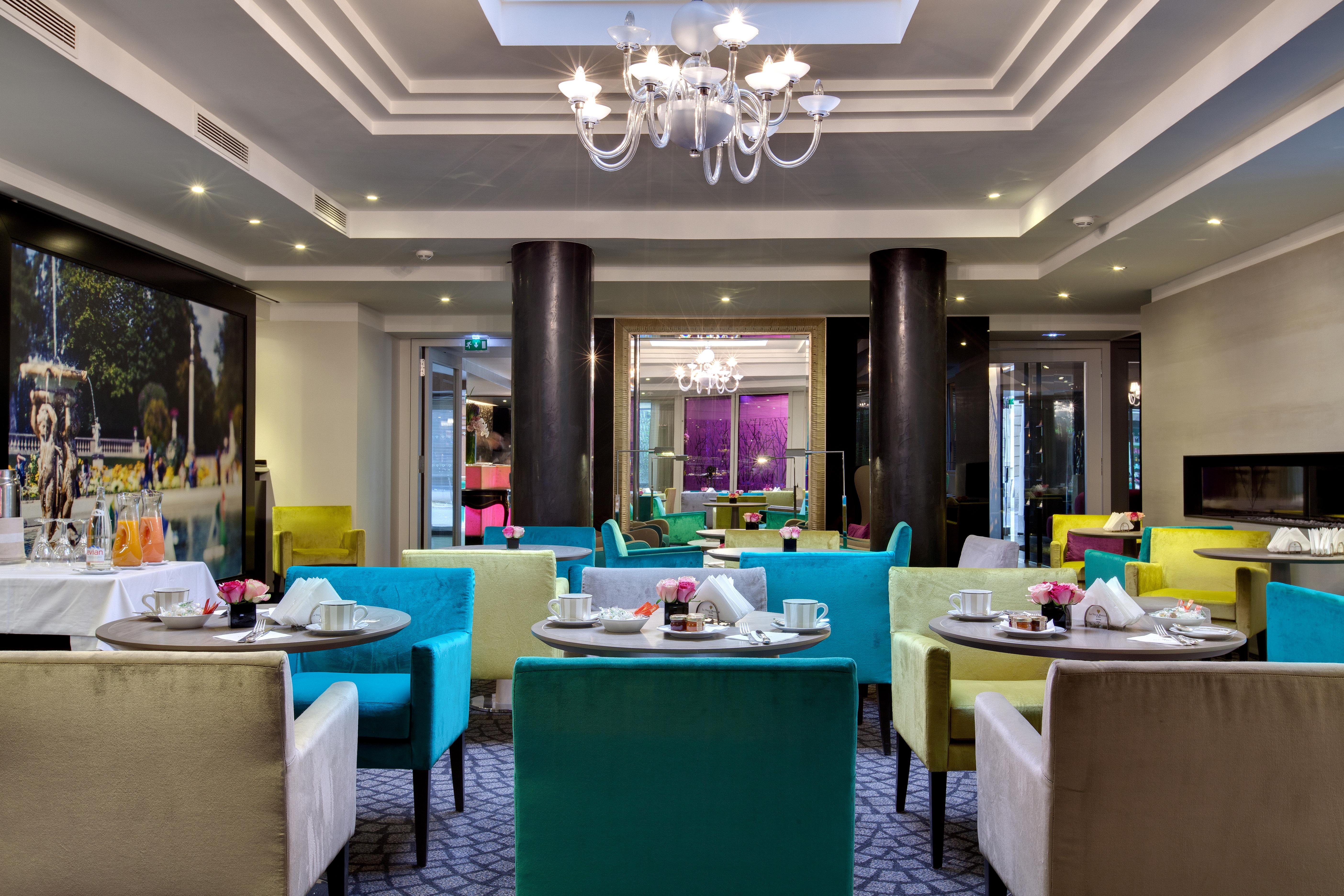 Salon bar le v la villa maillot spa paris luxsure for Salon spa paris