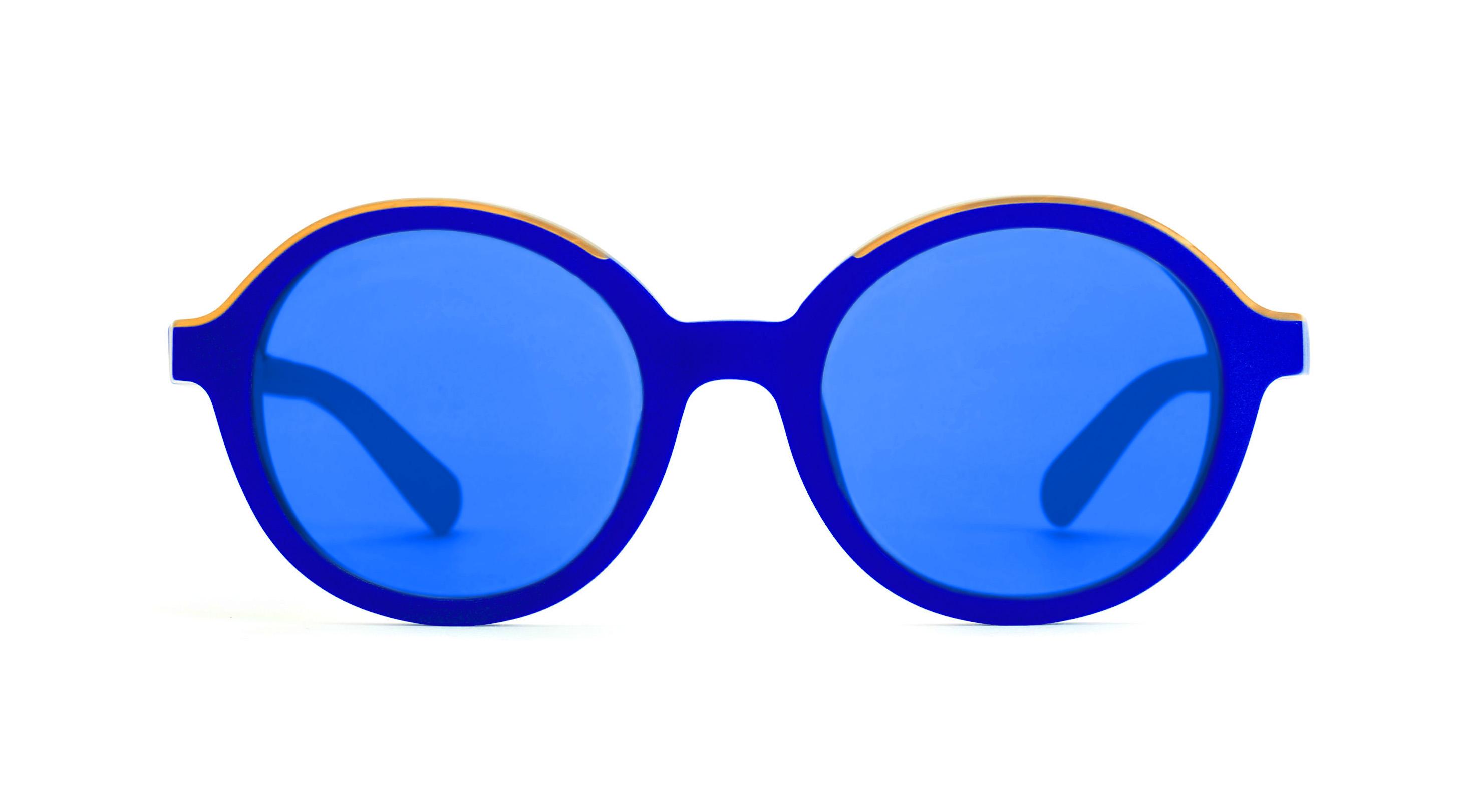 Quot L International Klein Blue Collection Quot Du Bleu Plein
