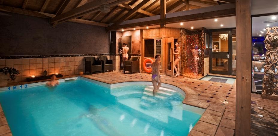 Un s jour autour de la truffe avec l 39 h tel les tr soms for Hotel hautes alpes avec piscine