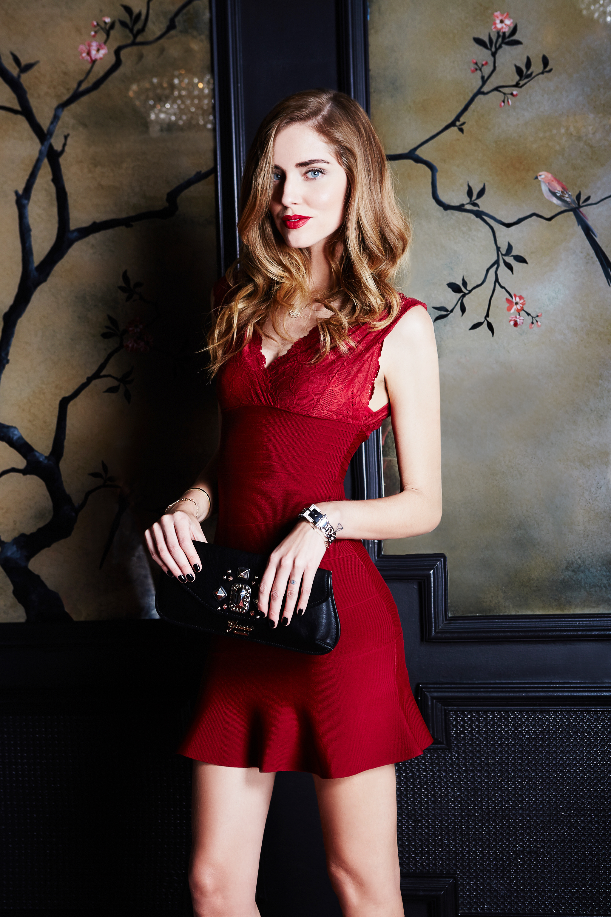 Robe guess dentelle rouge