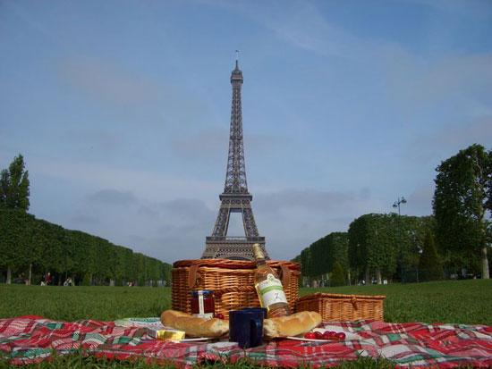 lancement de paris picnic le premier service de livraison de pique nique parisiens luxsure. Black Bedroom Furniture Sets. Home Design Ideas