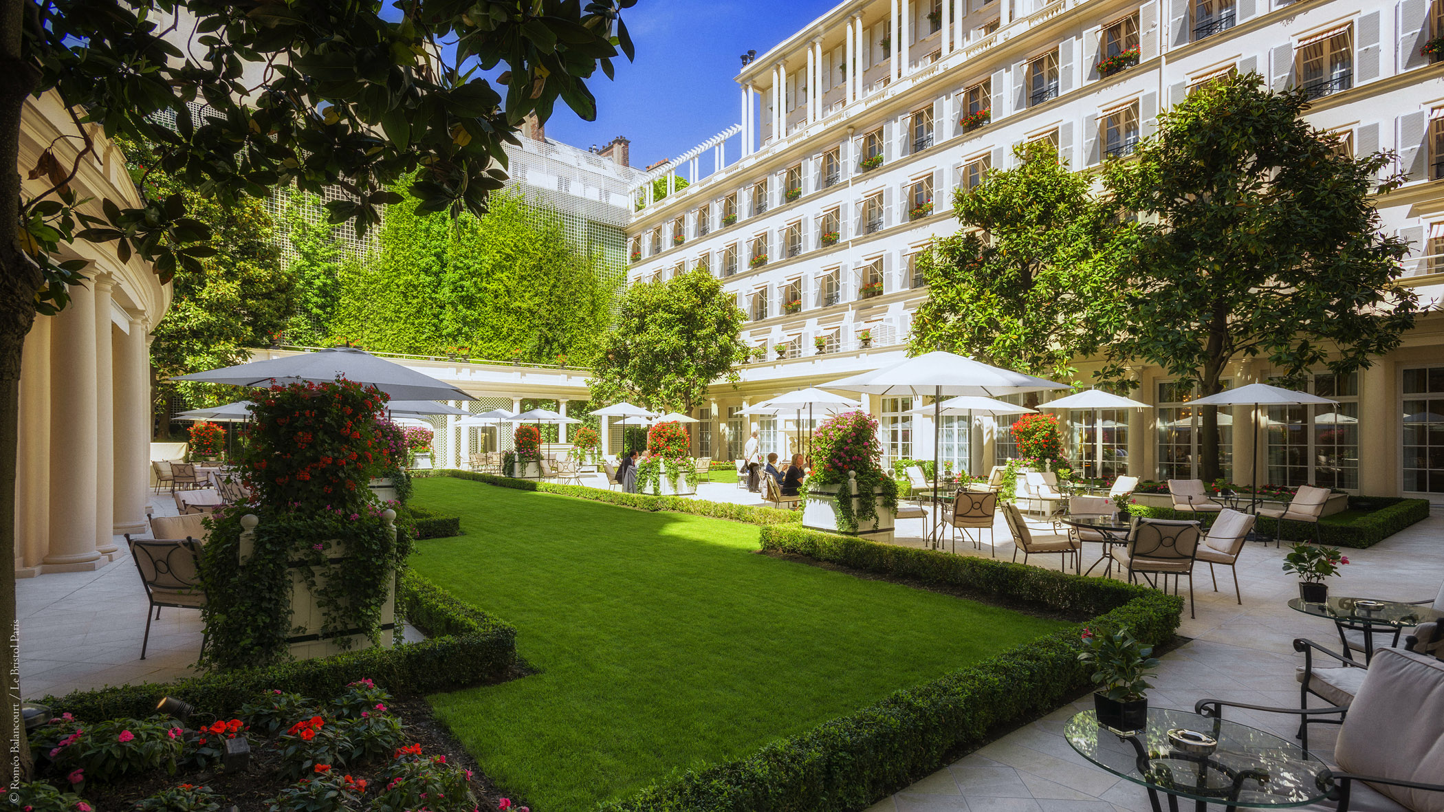 Le bristol paris class 1er h tel de france aux world s for Les jardins hotel paris