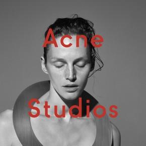 Acne Studios : Vivien Solari devant l'objectif de Viviane Sassen