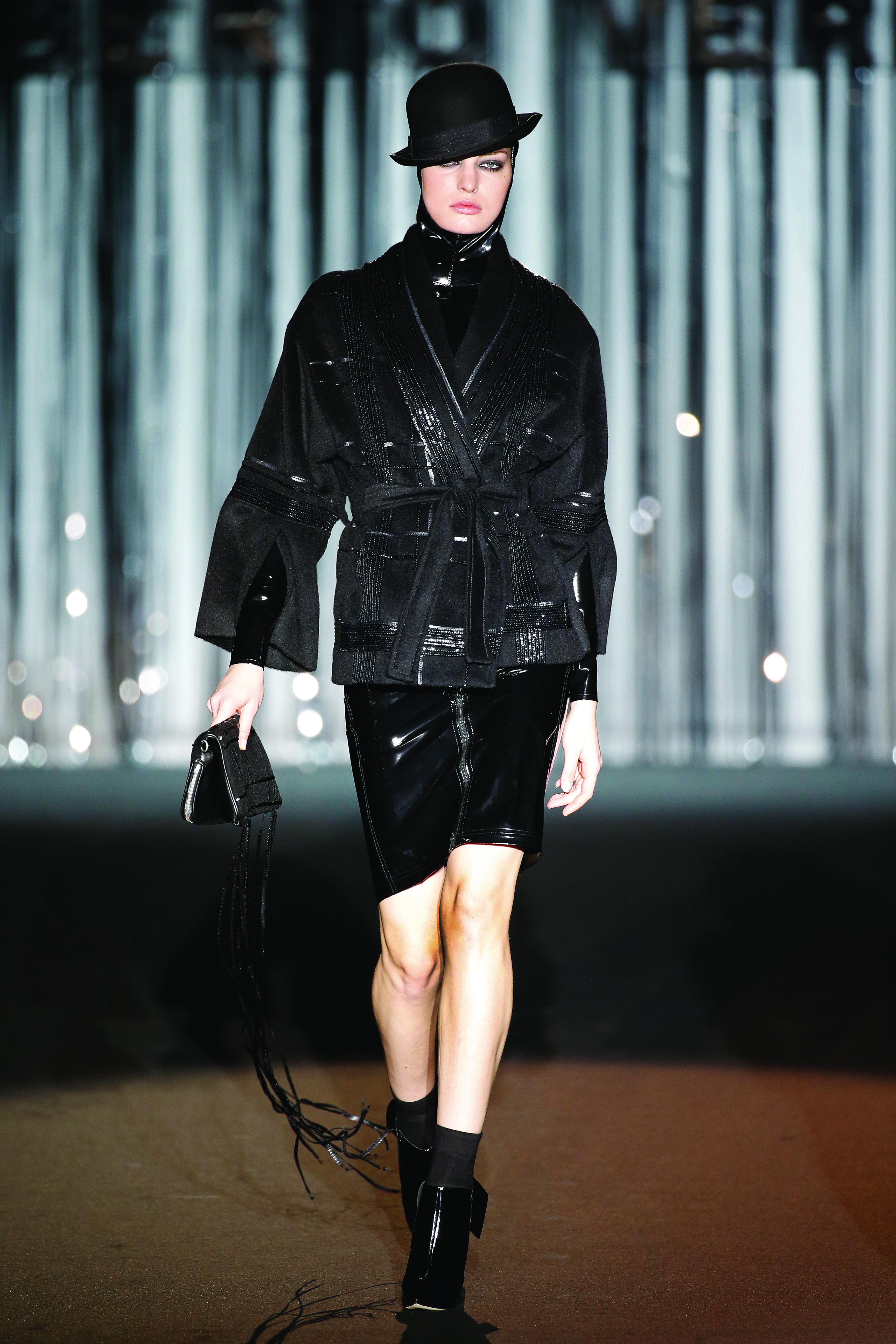 roberto verino madrid mercedes benz fashion week automne hiver 2015 luxsure. Black Bedroom Furniture Sets. Home Design Ideas
