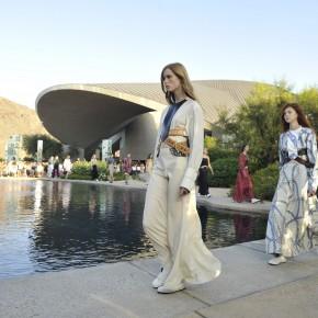 Louis Vuitton présente son défilé Croisière 2016 à Palm Springs