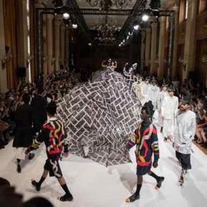 Henrik Vibskov :  Quand surréalisme et humour rencontrent le monde de la mode