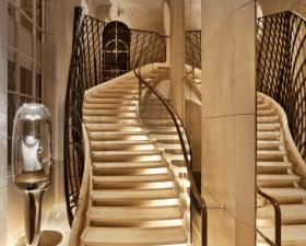 Patrick Jouin & Sanjit Manku signent la nouvelle adresse de la boutique Van Cleef & Arpels au 20  Place Vendôme.