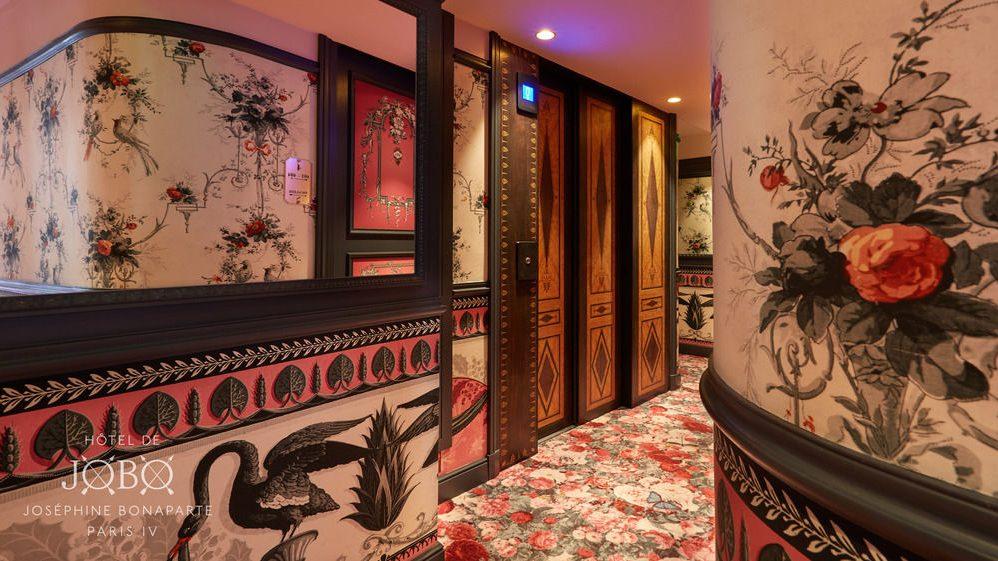 L'Hôtel JOBO : un lieu où vivre l'Amour et Paris dans une extravagance hors du temps