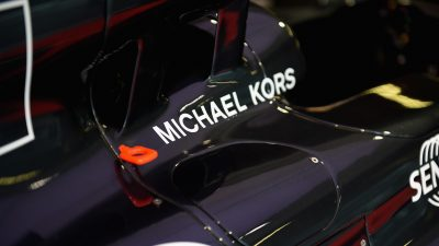 Michael Kors et McLaren-Honda : un partenariat flamboyant entre conception et vitesse