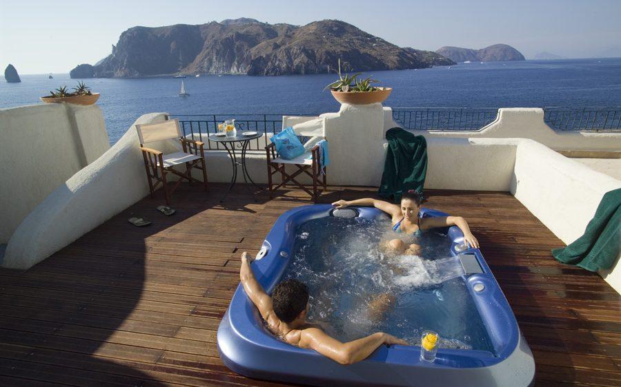 Le luxe volcanique au Therasia Resort Sea & Spa