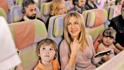 Jennifer Aniston se fait un nouvel ami sur Emirates