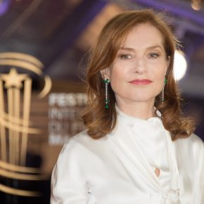 Isabelle Huppert resplendissante en Piaget au 16ème Festival International du film de Marrakech