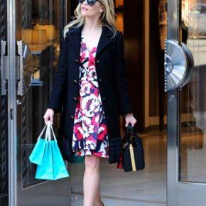 Le shopping de Noël de Reese Witherspoon à la boutique Tiffany & Co. Beverly Hills