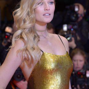 Toni Garrn en robe BOSS – Festival de Berlin