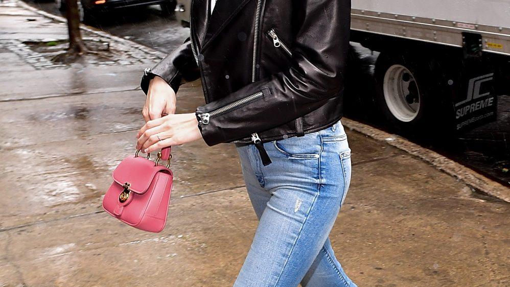 Gigi Hadid et son sac DK88 Burberry