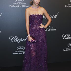 ARIZONA MUSE WEARS SWAROVSKI TO THE CHOPARD PARTY