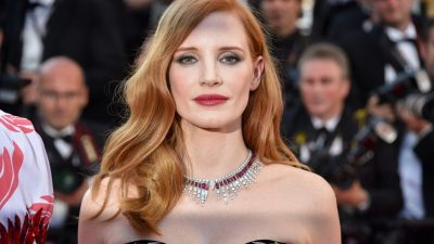 CANNES 2017: RED CARPET JESSICA CHASTAIN