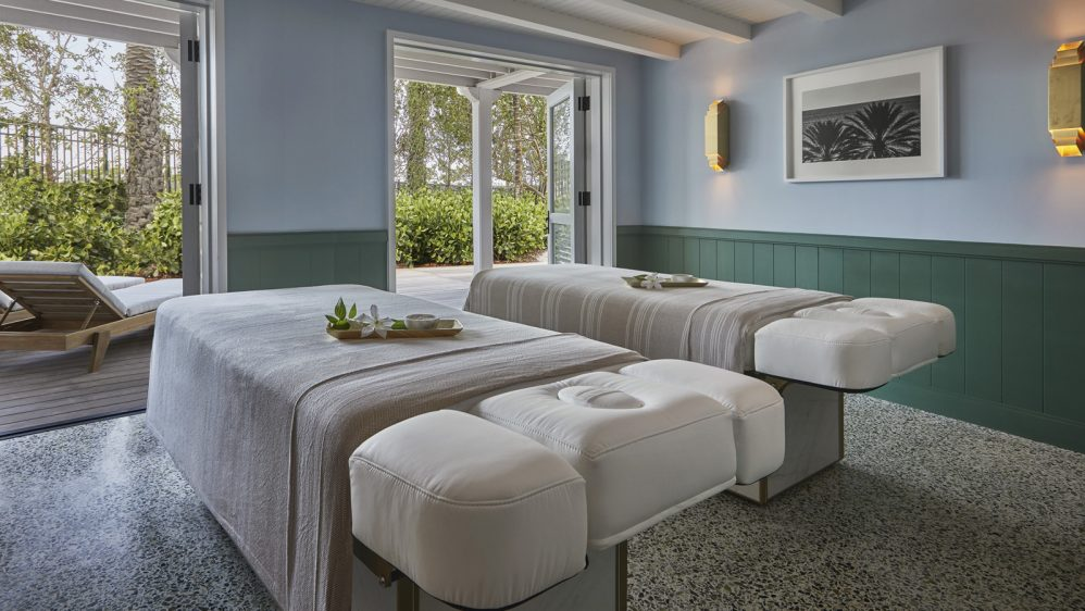 Le Spa du Four Seasons Hotel at The Surf Club Miami signé Jospeh Dirand est ouvert