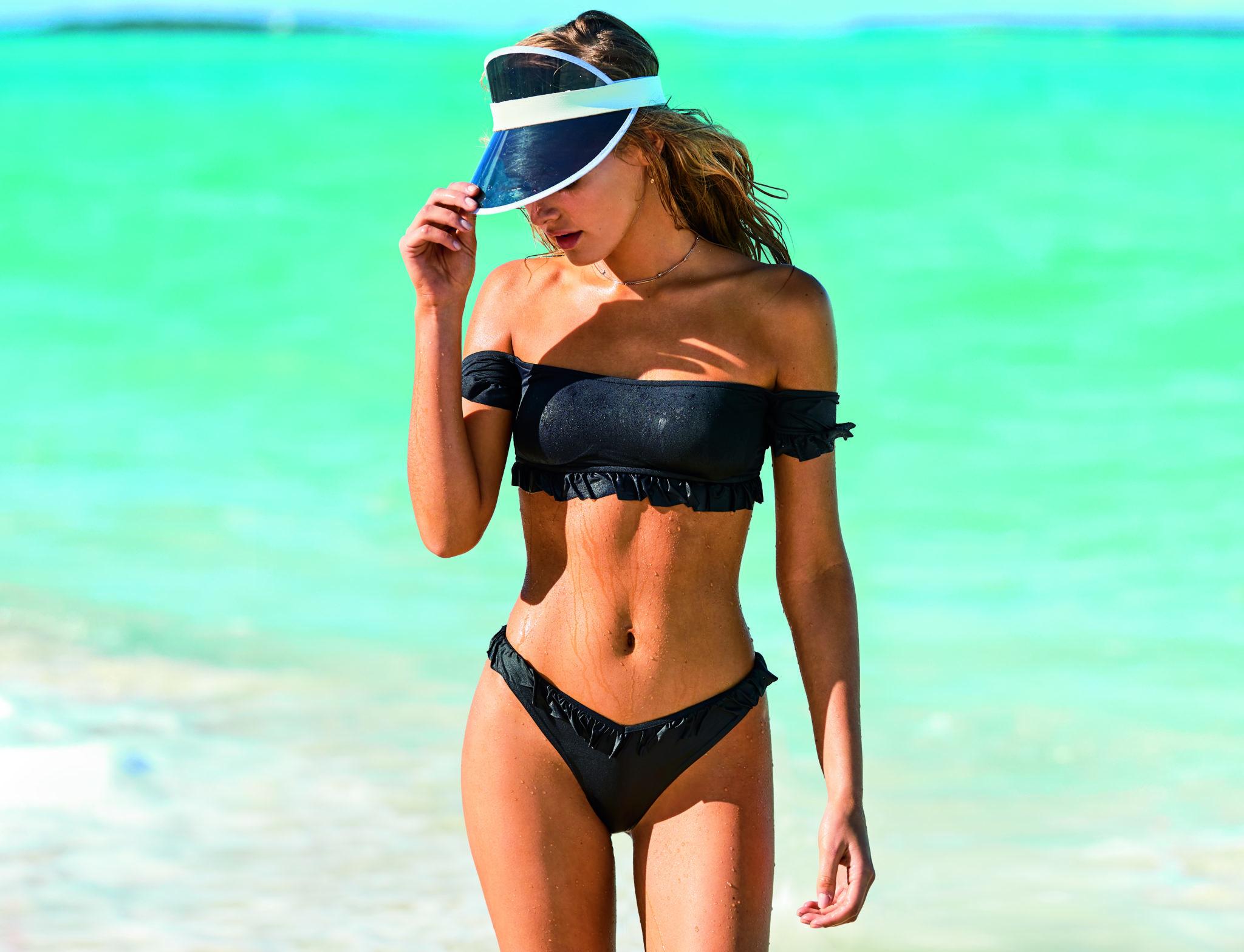Comme chaque été, les boutiques Calzedonia se transforment pour devenir «  Votre boutique de maillots de bain ». 5882cb4b7729
