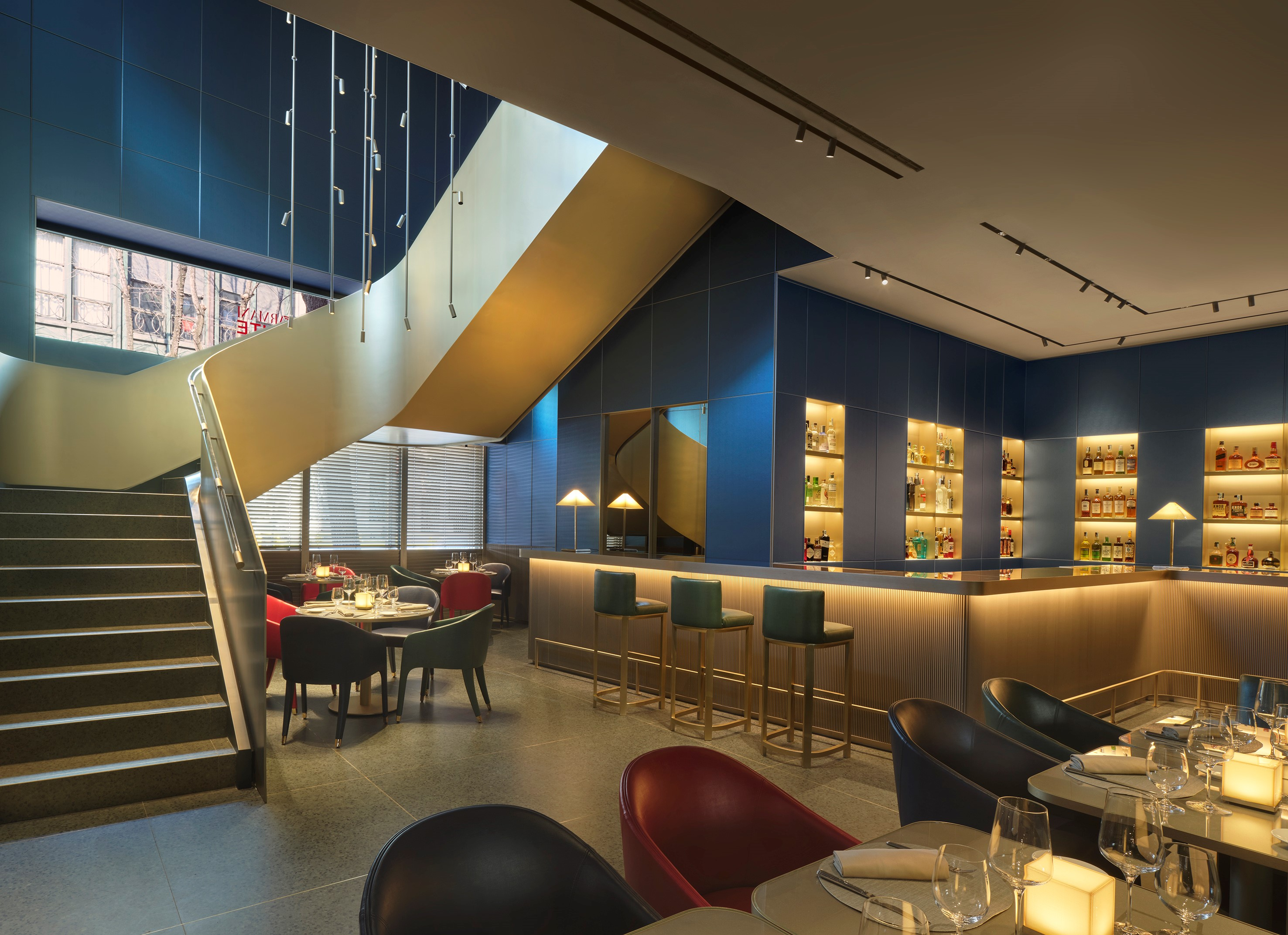3adea289b Un nouveau concept Emporio Armani Caffè & Ristorante ouvre ses ...